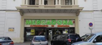 Tavernes impide a los supermercados abrir el 18 de marzo y fuerza un cierre de tres días seguidos
