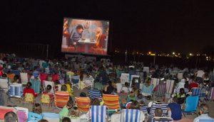 València Turisme porta el cinema a 20 platges valencianes aquest estiu