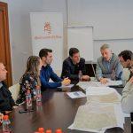 El diputat provincial de carreteres visita l'Ajuntament d'Oliva
