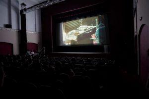 """Projecció del documental """"Els Camins de la Memòria"""" per a alumnes dels Instituts d'Oliva."""